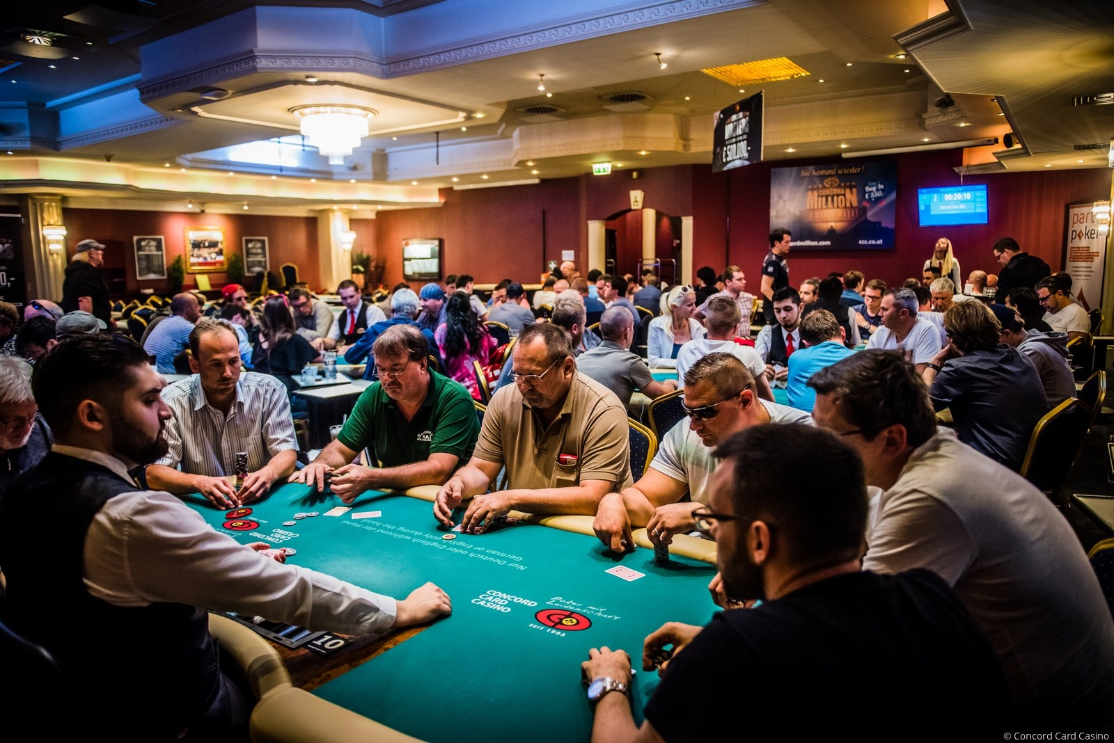 Ferhat Yilmaz takes over the Concord Masters chip lead